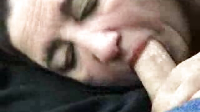 French Amateur Girl - voiture porno Strip tease - Tanga - Vends-ta-culotte