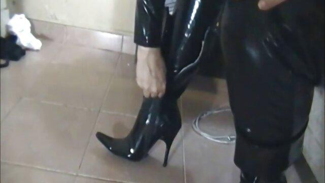 Danseuse webcam porno de voiture russe mignonne 1