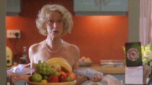 Maîtresse Joyce avec BBC, Cocu nettoie le sperme de porno dans une voiture la BBC