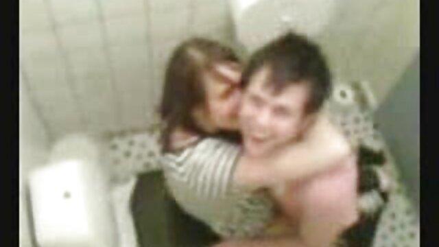 Gros seins video sexe dans la voiture webcam fille 565