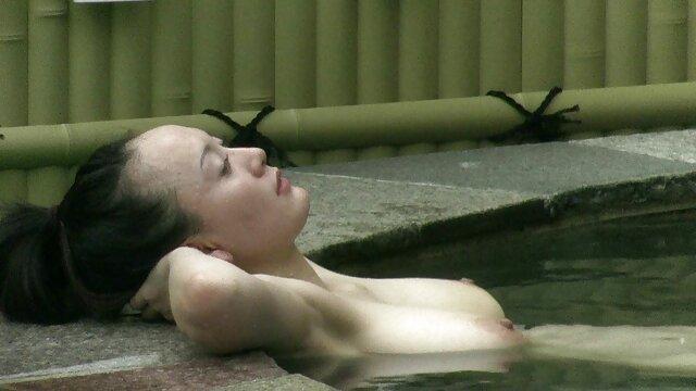 Upskirt japonais video sexe en voiture
