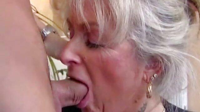 Black Bulls Gangbang porno de voiture Une Salope Blanche
