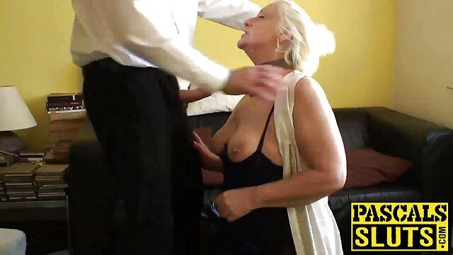 Les prostituées russes Maya film porno en voiture 1