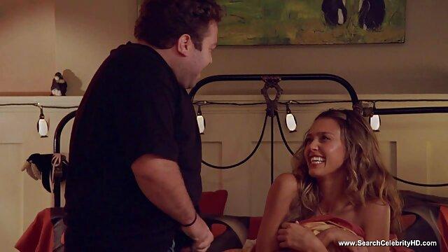 N'est-elle film porno en voiture pas douce (Monica)