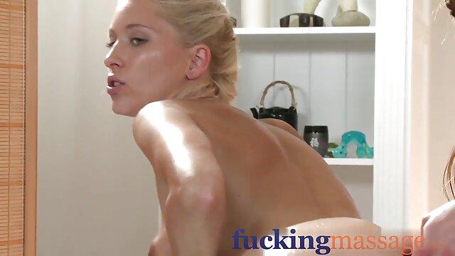 Angelina mature se porno dans les voitures prend un premier gangbang bukkake