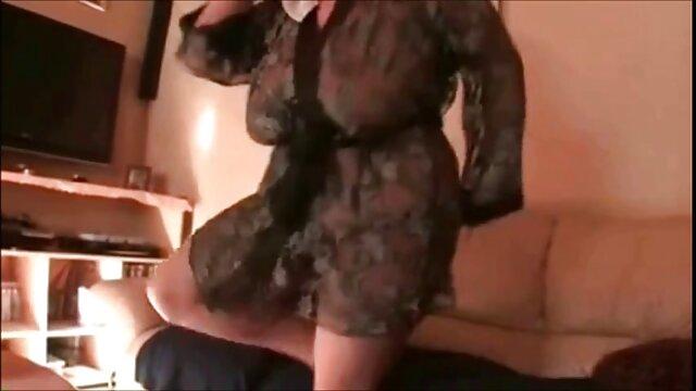 Fucked - Gabbie Carter, une adolescente porno la voiture aux gros seins naturels baisée